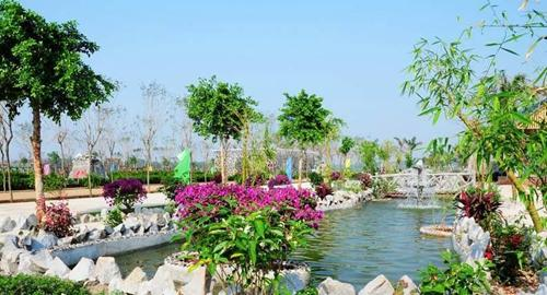 """位居台湾风情小镇之核心位置,周围环绕""""两岸交流发展会议中心"""",""""华夏"""