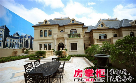 中海国际社区位于济南市南部,是城市中轴线的南端,是老城建设区同南部
