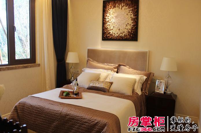背景墙 房间 家居 酒店 设计 卧室 卧室装修 现代 装修 695_459